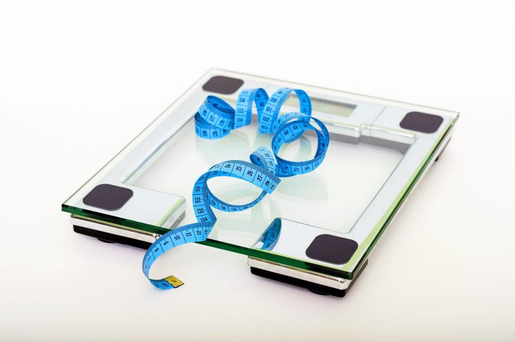 Jak zrzucić zbędne kilogramy? Pierwsze kroki do sukcesu.