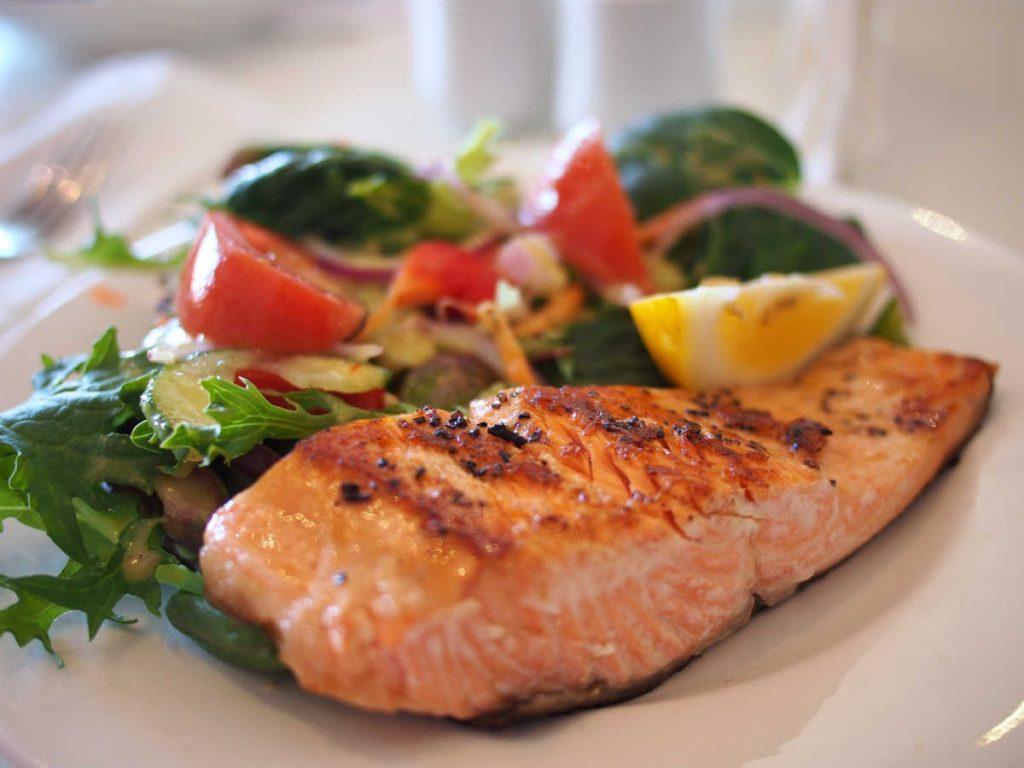 ryba, kwasy omega-3, losos